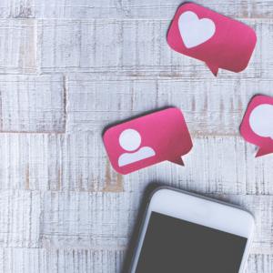 pink social media text bubbles