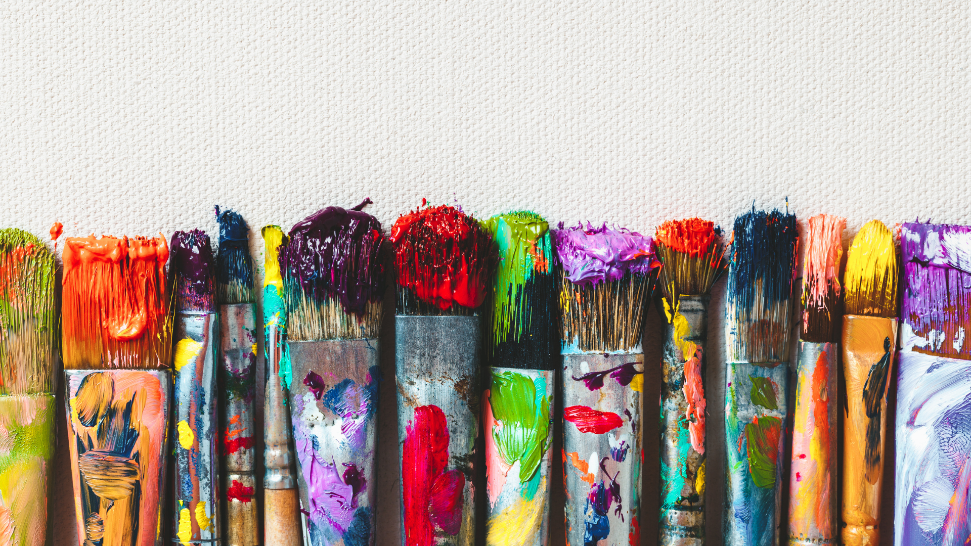 row-of-paint-brushes
